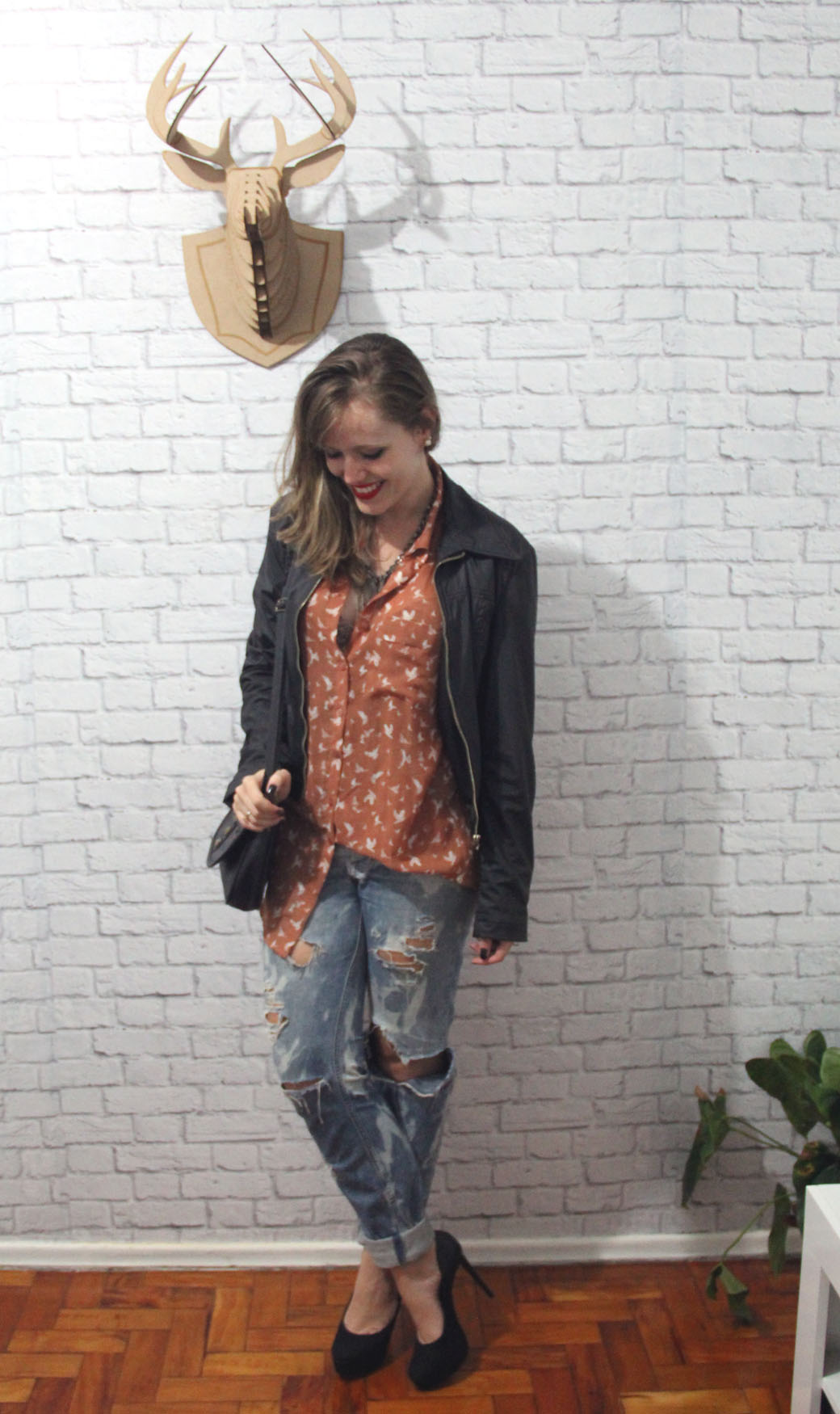 Look destroyed jeans e salto alto 4