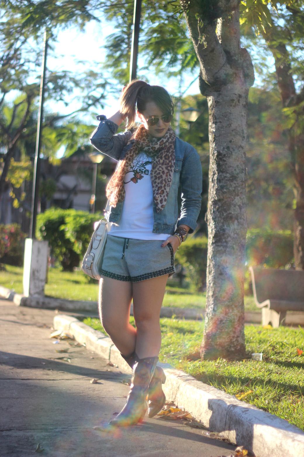 Look Versatilize-se, short e bota 1