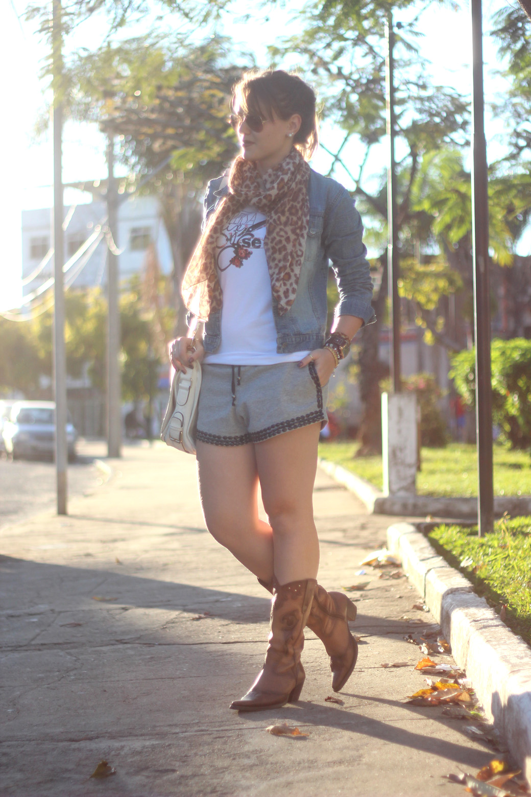 Look Versatilize-se, short e bota 4