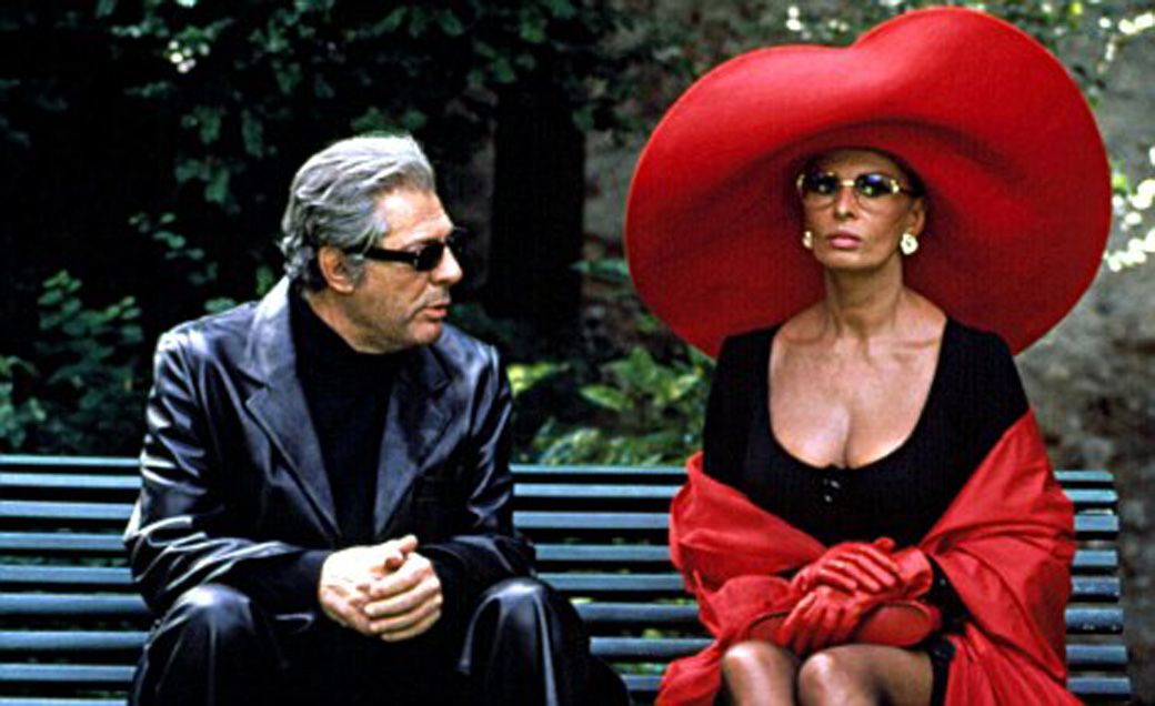 No Merchandising. Editorial Use Only  Mandatory Credit: Photo by Everett Collection / Rex Features ( 414313aa )  MARCELLO MASTROIANNI AND SOPHIA LOREN IN 'PRET A PORTER' - 1994  VARIOUS
