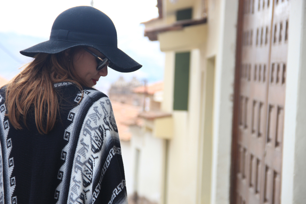 Look poncho 6